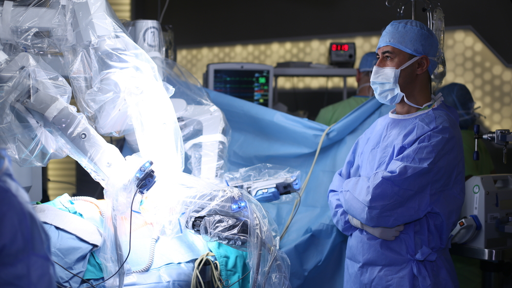 Intuitive Surgical Shares Surge After 1Q Financial Results and Slew of Analyst Upgrades