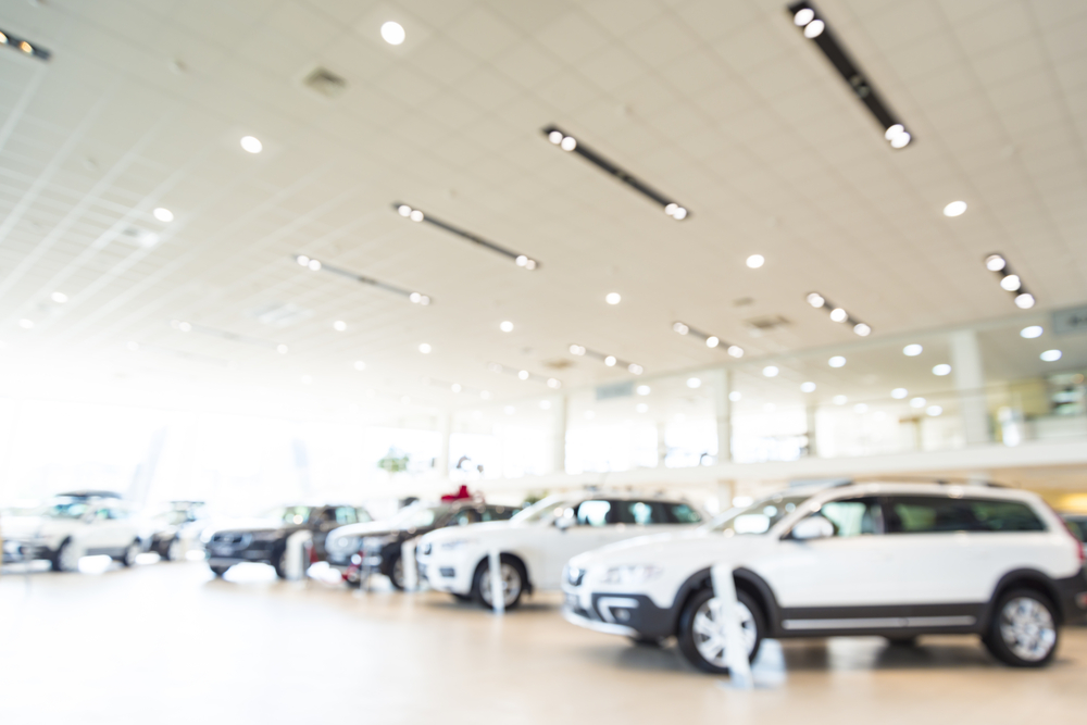 Lithia Motors Beats Street Estimates and Reaffirms FY 2017 Revenues, Raises FY 2017 EPS Outlook