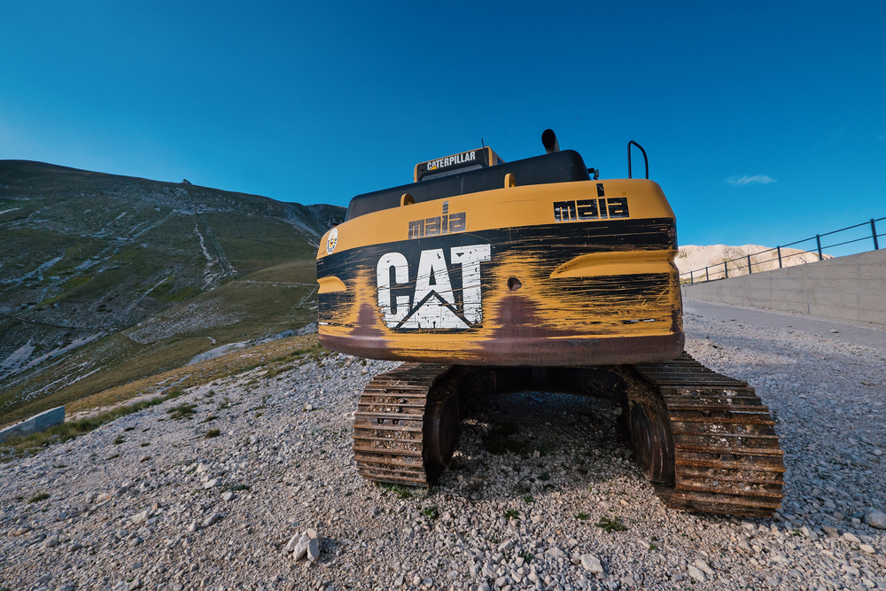 Caterpillar Shares Makes New 52-Week High After Shattering Estimates and Raising Guidance